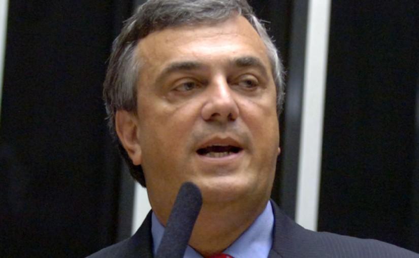 Ex-deputado federal é achado morto em quarto de hotel em Brasília