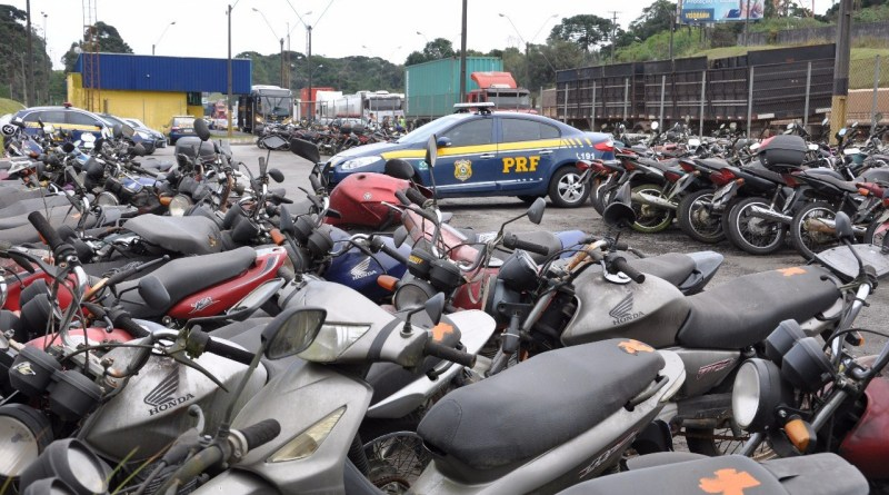PRF promove leilão de 1400 veículos em Foz do Iguaçu