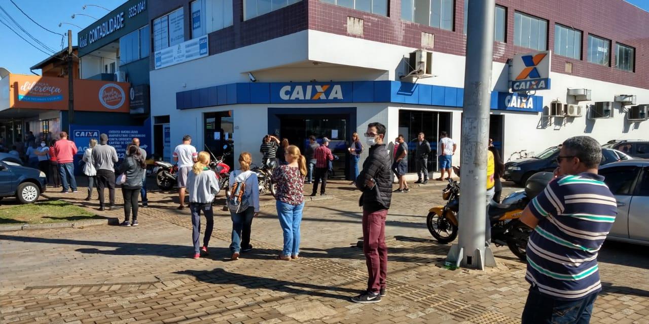 Lotéricas registram longas filas em Foz do Iguaçu nesta quinta ...
