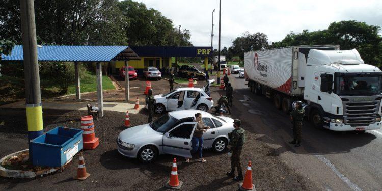 Exército: Operação Ágata/Fronteira Sul realiza apreensões na BR-277 e Rio Paraná
